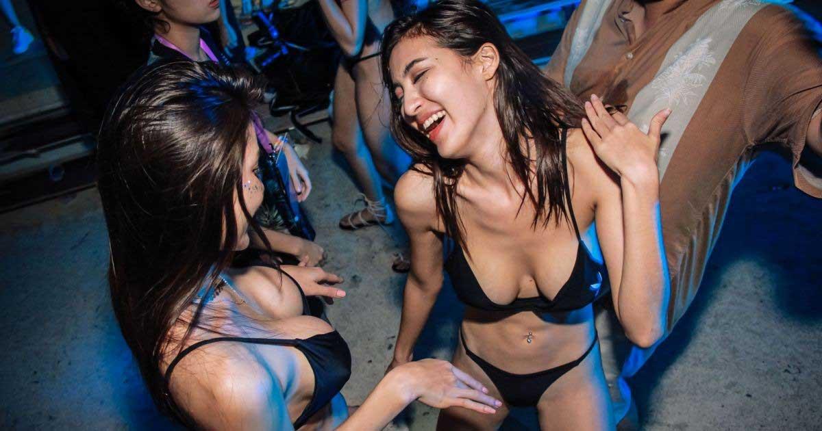 Payudara wanita Singapore yang sexy