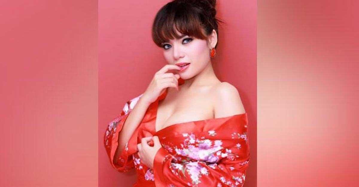 DJ Dinar Candy, Perempuan Paling Seksi Se-Asia