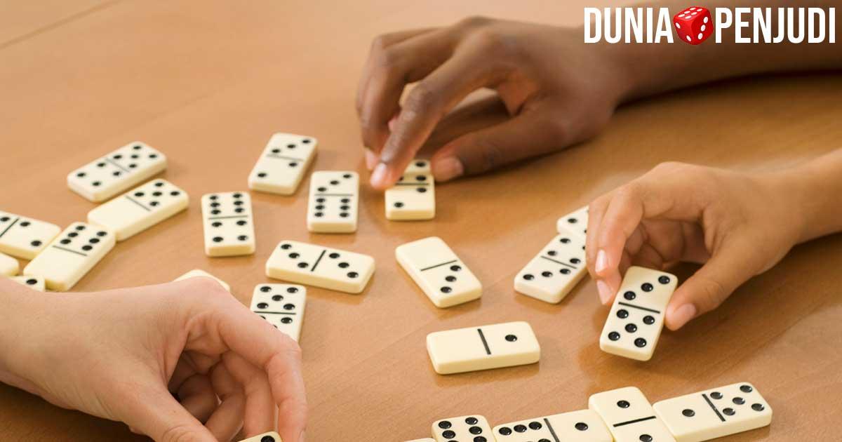 Permainan Kartu Domino dan Makna Filosofinya