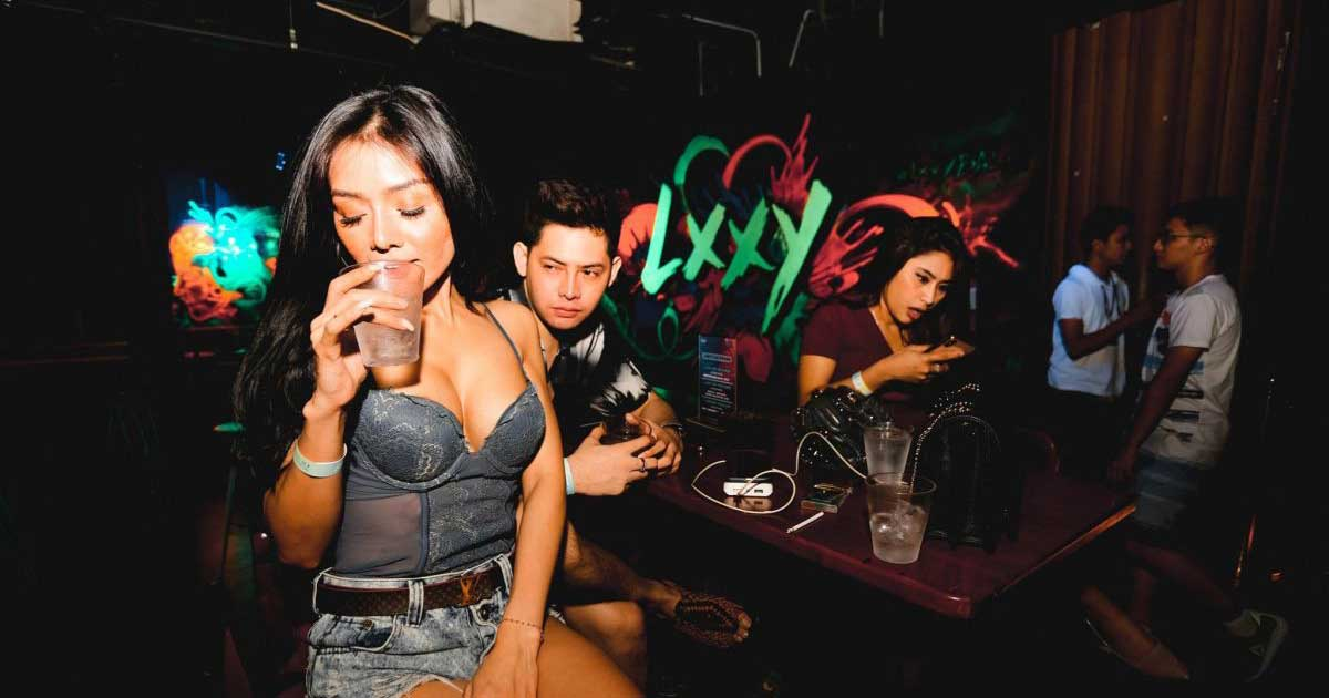 Kehidupan Malam di Bali dengan wanita cantik