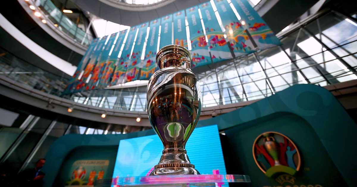 Trofi Piala Eropa atau EURO 2020