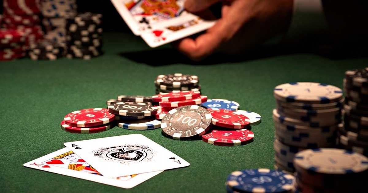 Manfaat dari bermain poker