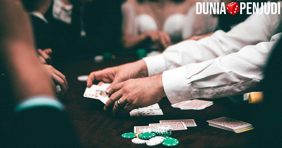 Judi Poker PKV DewaPoker IDNPoker PokerV