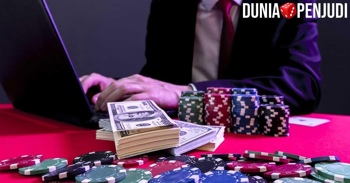 Anda harus bermain judi casino online
