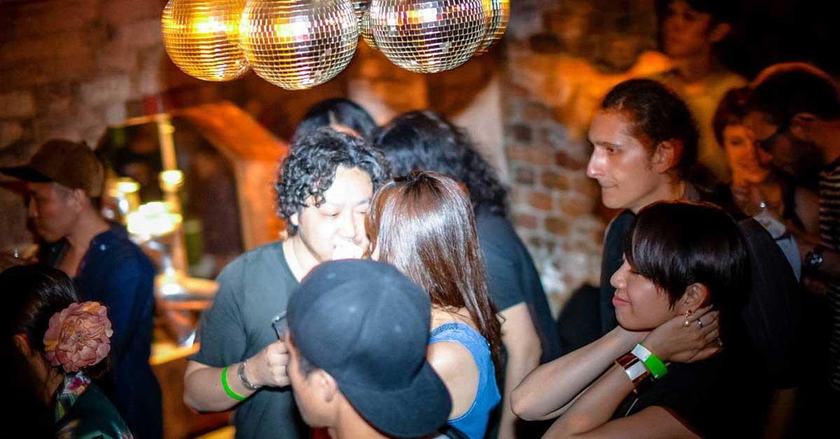 5 Cafe Dunia Malam Di Jepang Yang Eksotis