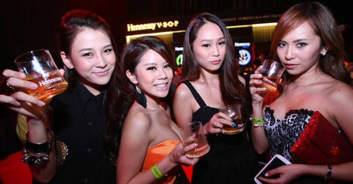 5 Klub Malam Di Denpasar Yang Hadirkan DJ Cantik