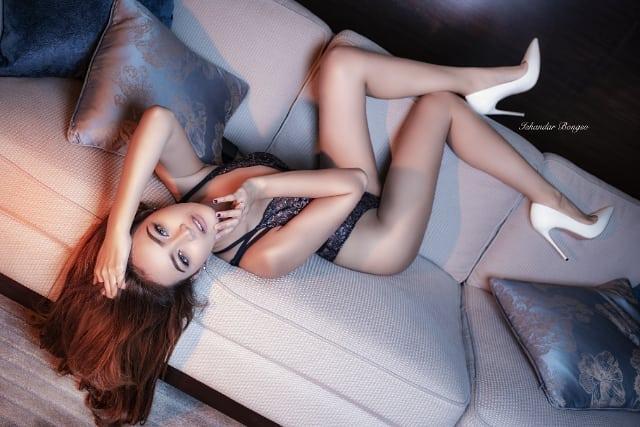 DJ Adelia Zizi Yang Paling Cantik Dan Seksi