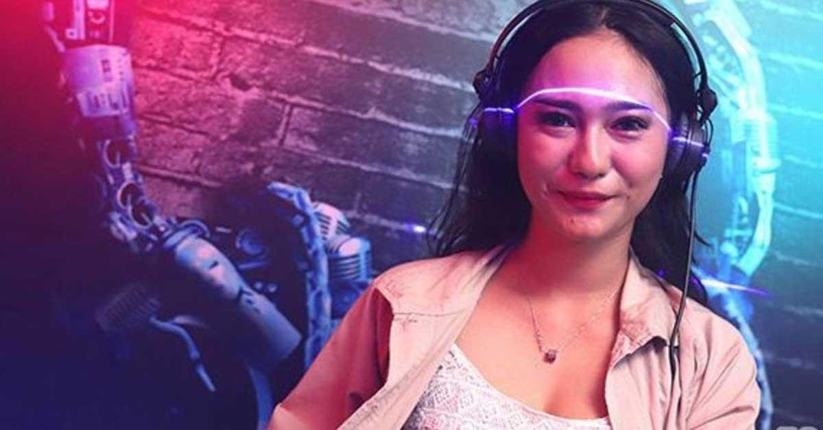 DJ Beiby Clarissa Selalu Tampil Seksi Dan Kekinian