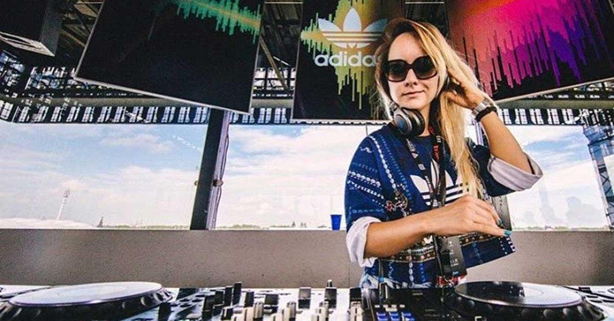 DJ Michelle Grant Sosok Yang Keren Dan Super Seksi