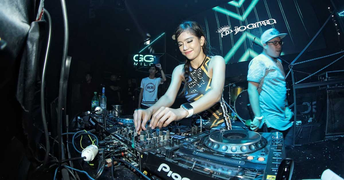 DJ Princess Joana Selalu Fashionable Setiap Saat