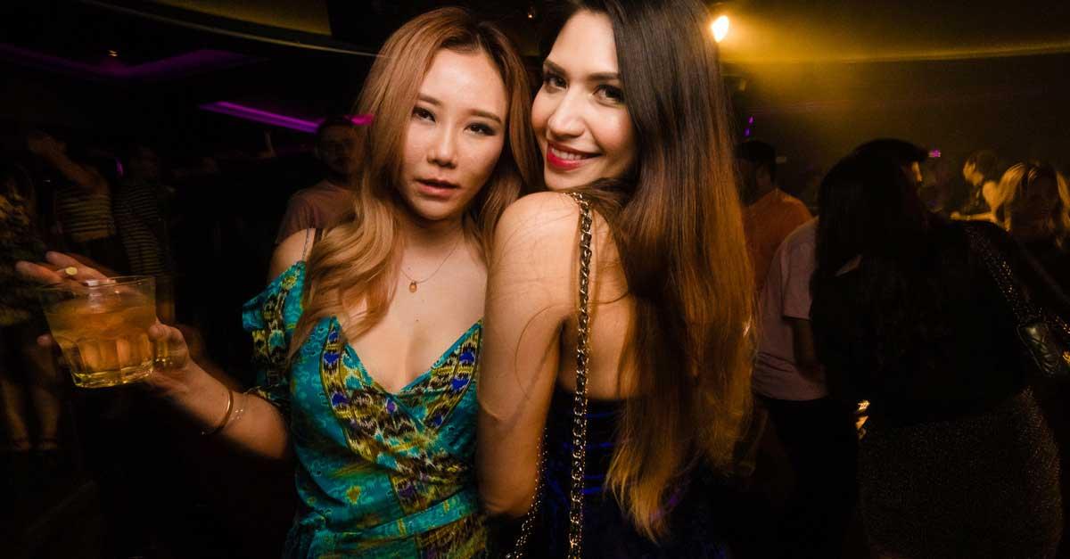 Kenapa Wanita Di Club Malam Berpenampilan Seksi