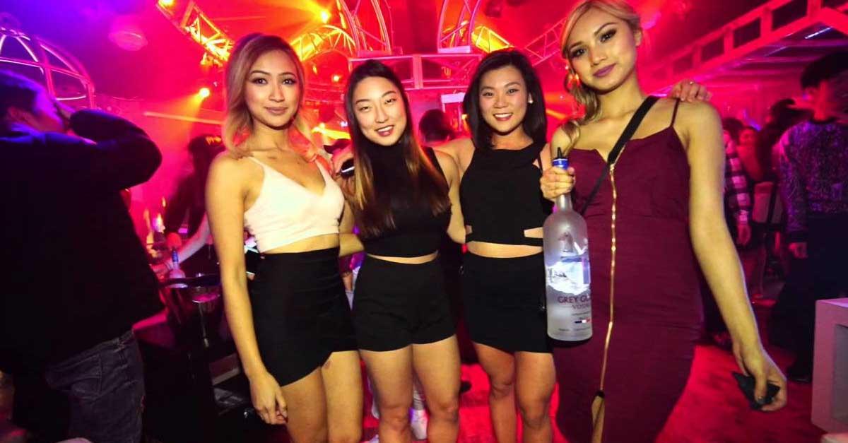 Menahan Godaan Wanita Seksi Di Club Malam