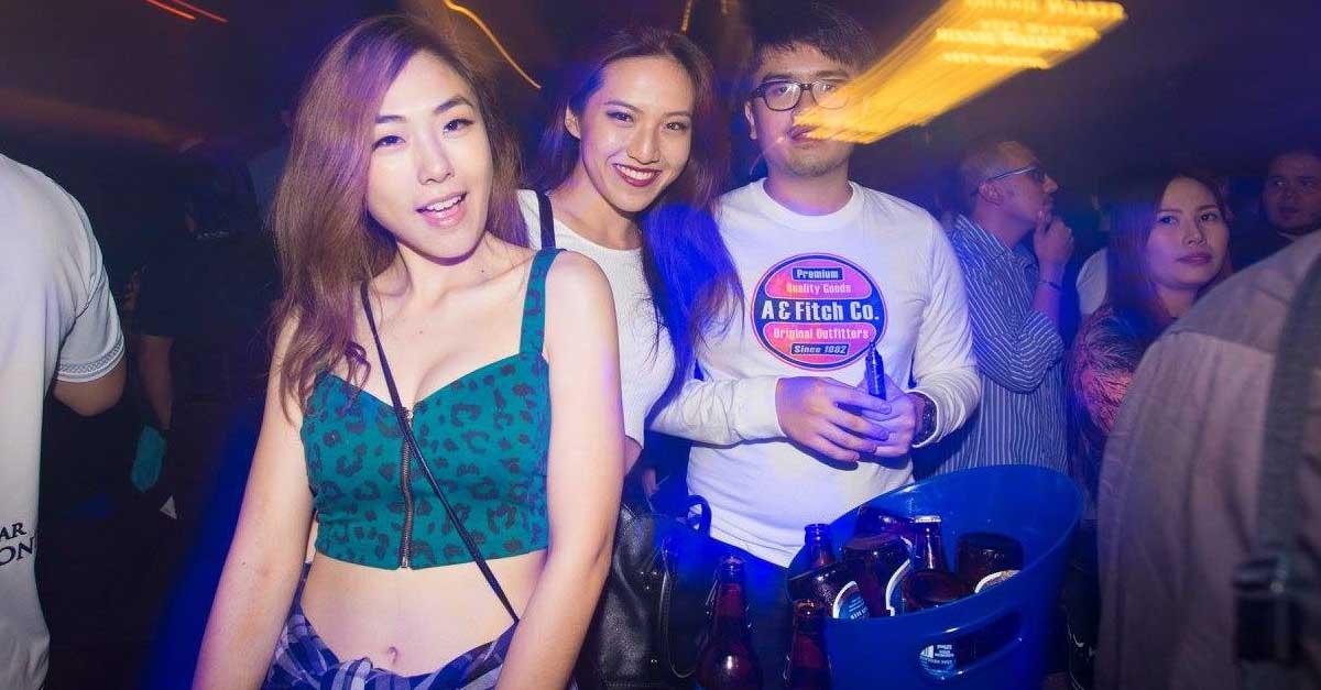Nikmatnya Karaoke Bersama Perempuan Penghibur