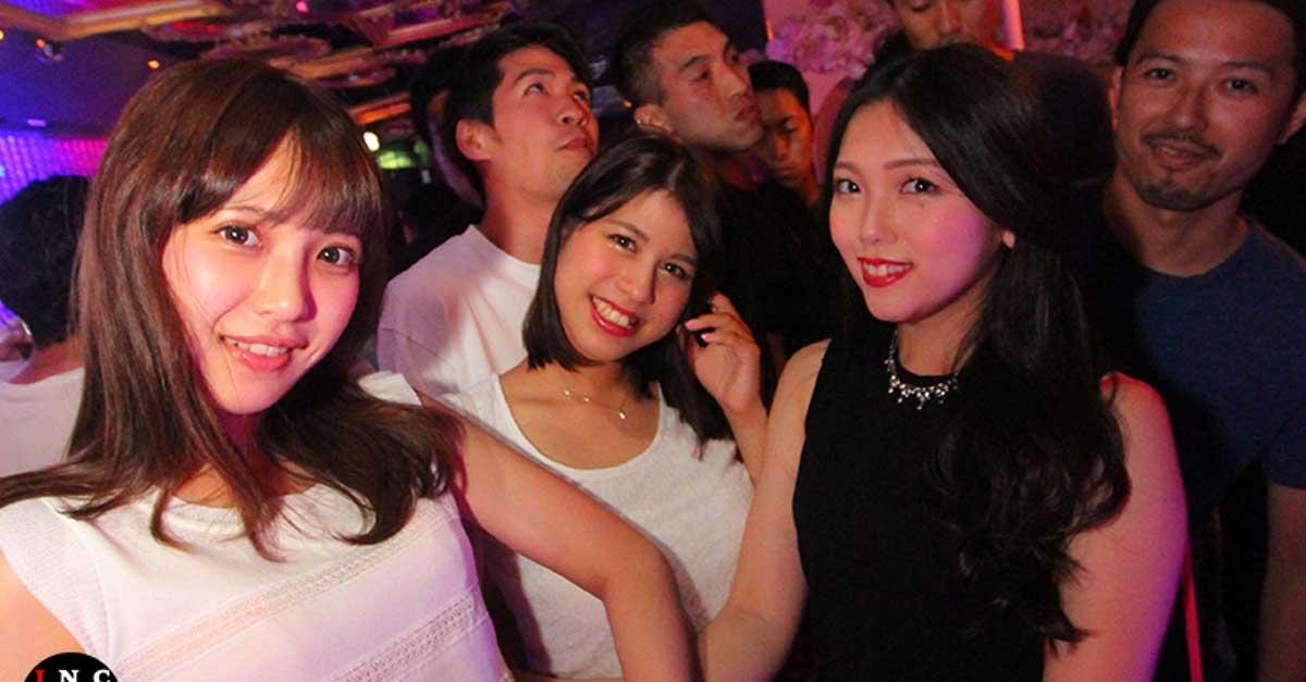 Wanita Yang Mudah Diajak Berkenalan Di Club Malam