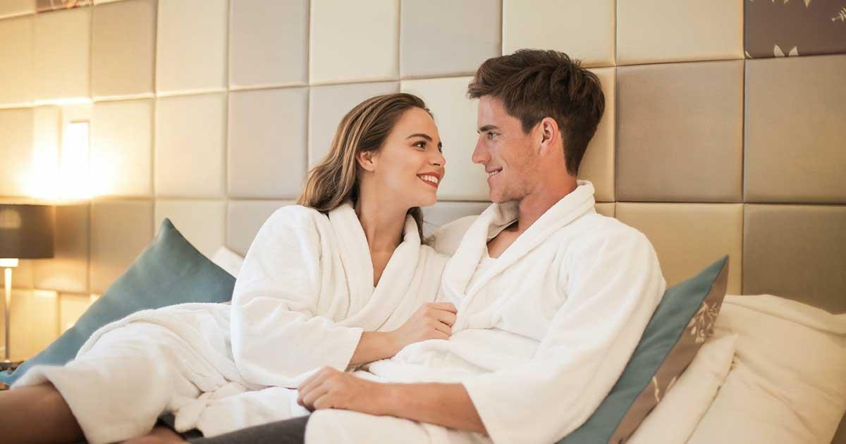 hubungan dari kencan online ternyata dapat berakhir di jenjang pernikahan