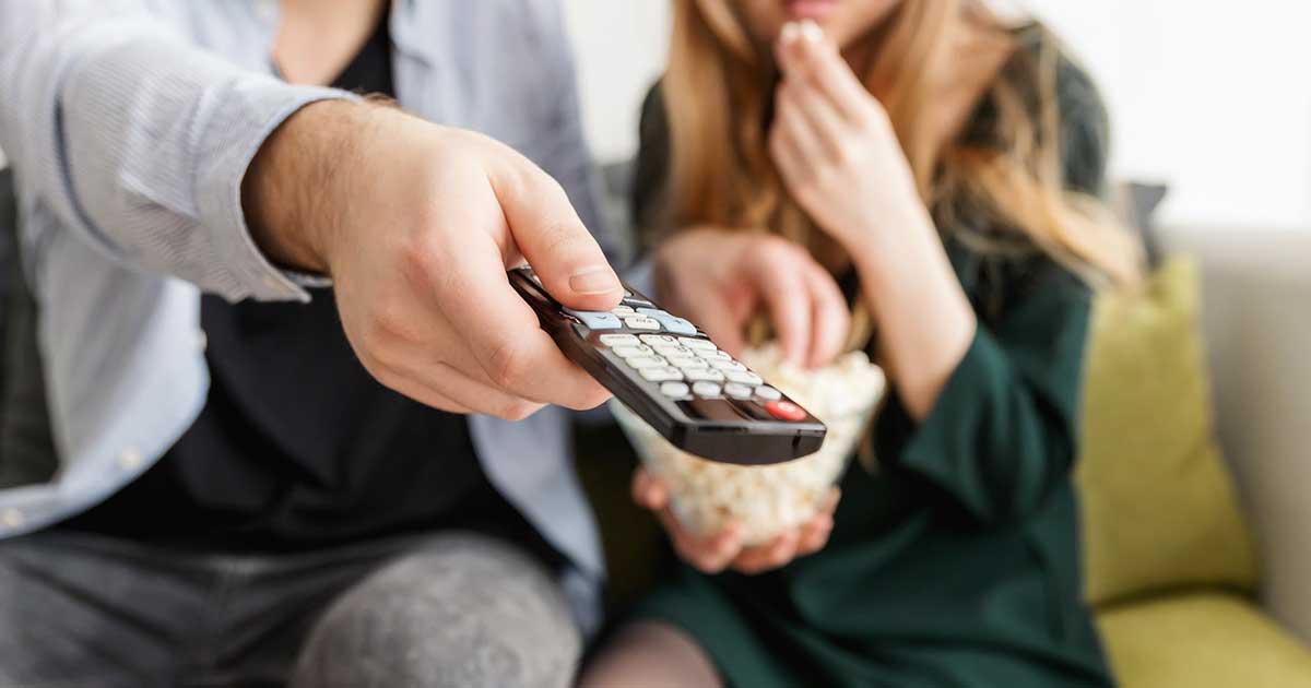 Anda harus menonton film porno besama dengan pasangan anda