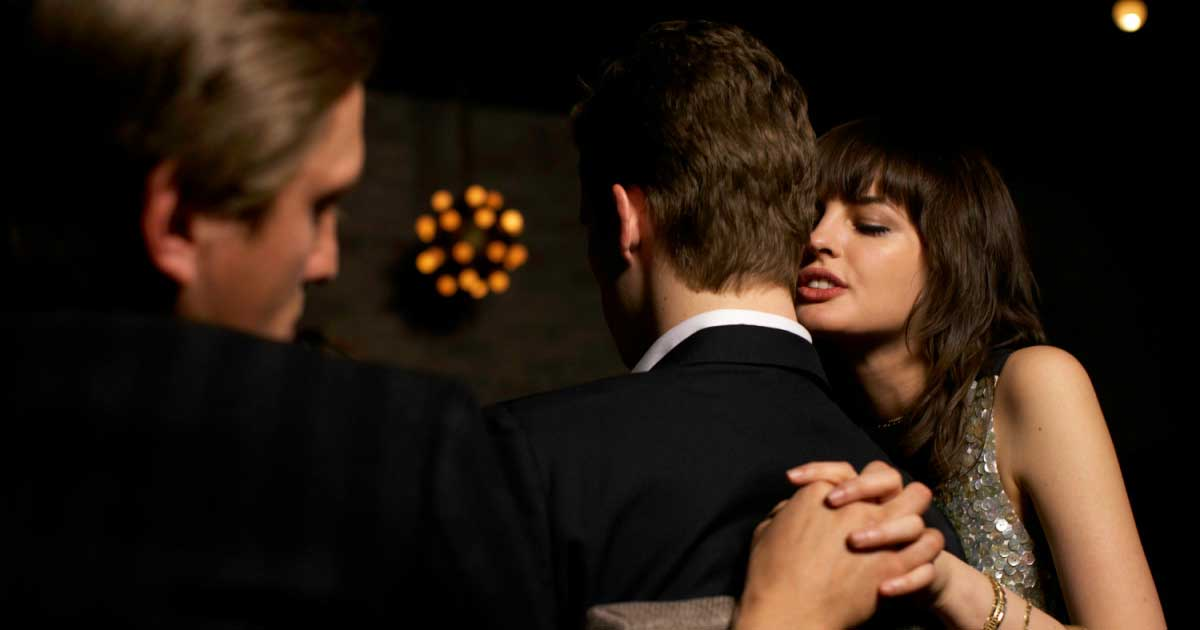 Perempuan ternyata lebih hebat berselingkuh dibanding pria