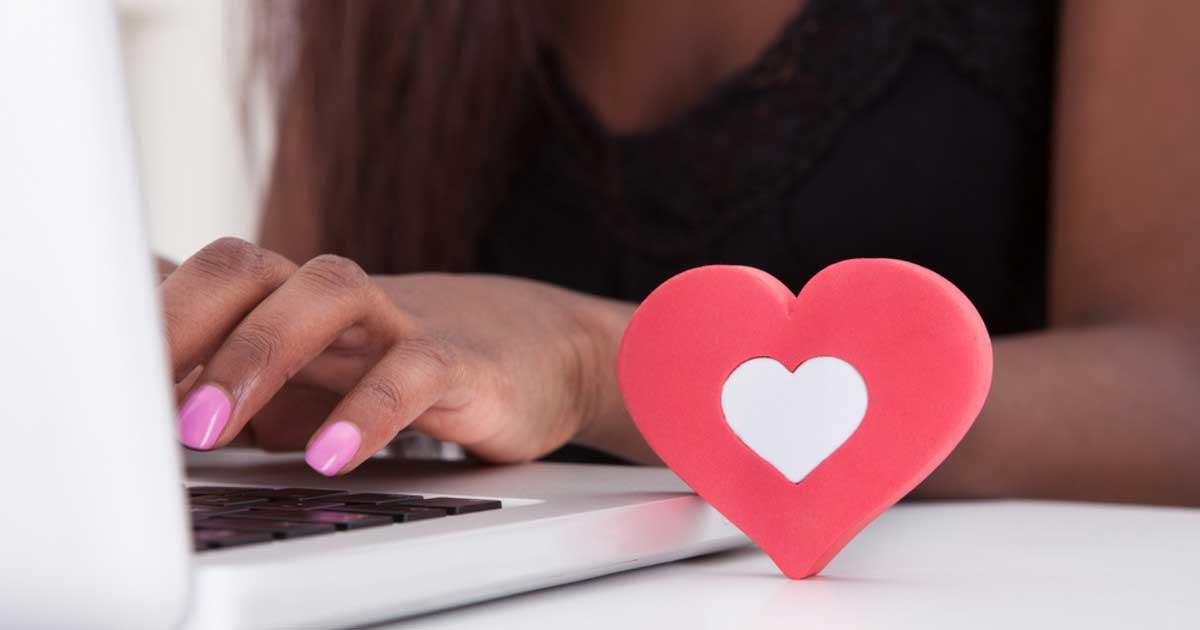 kesepian, wanita muda perdaya ratusan pria di kencan online