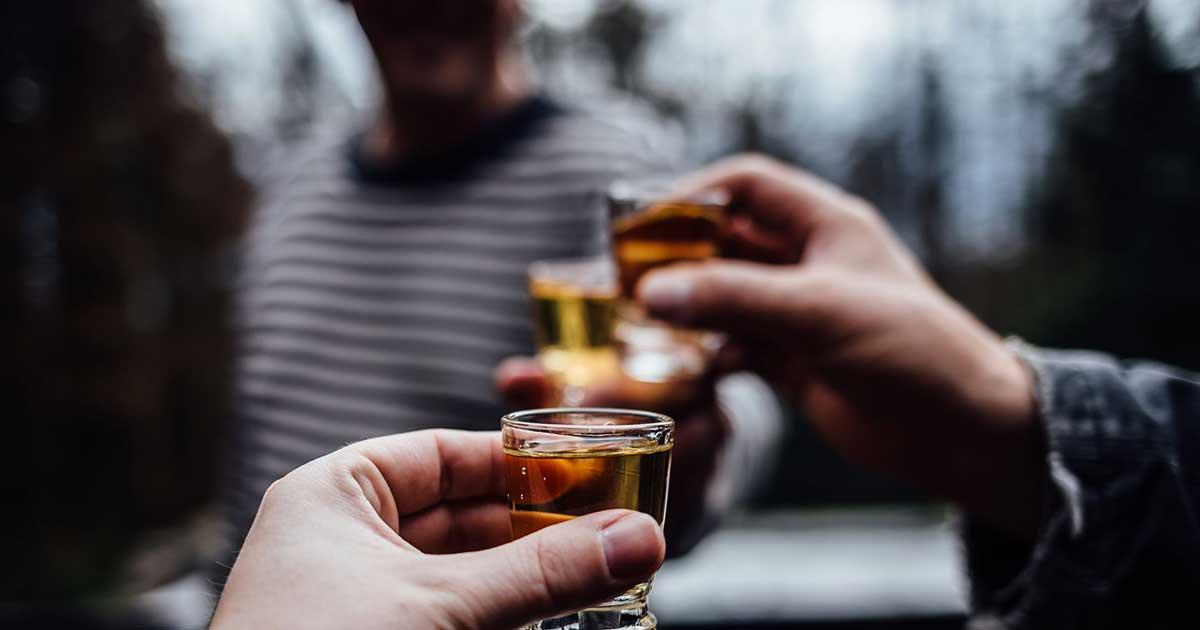 Batasi konsumsi alkohol