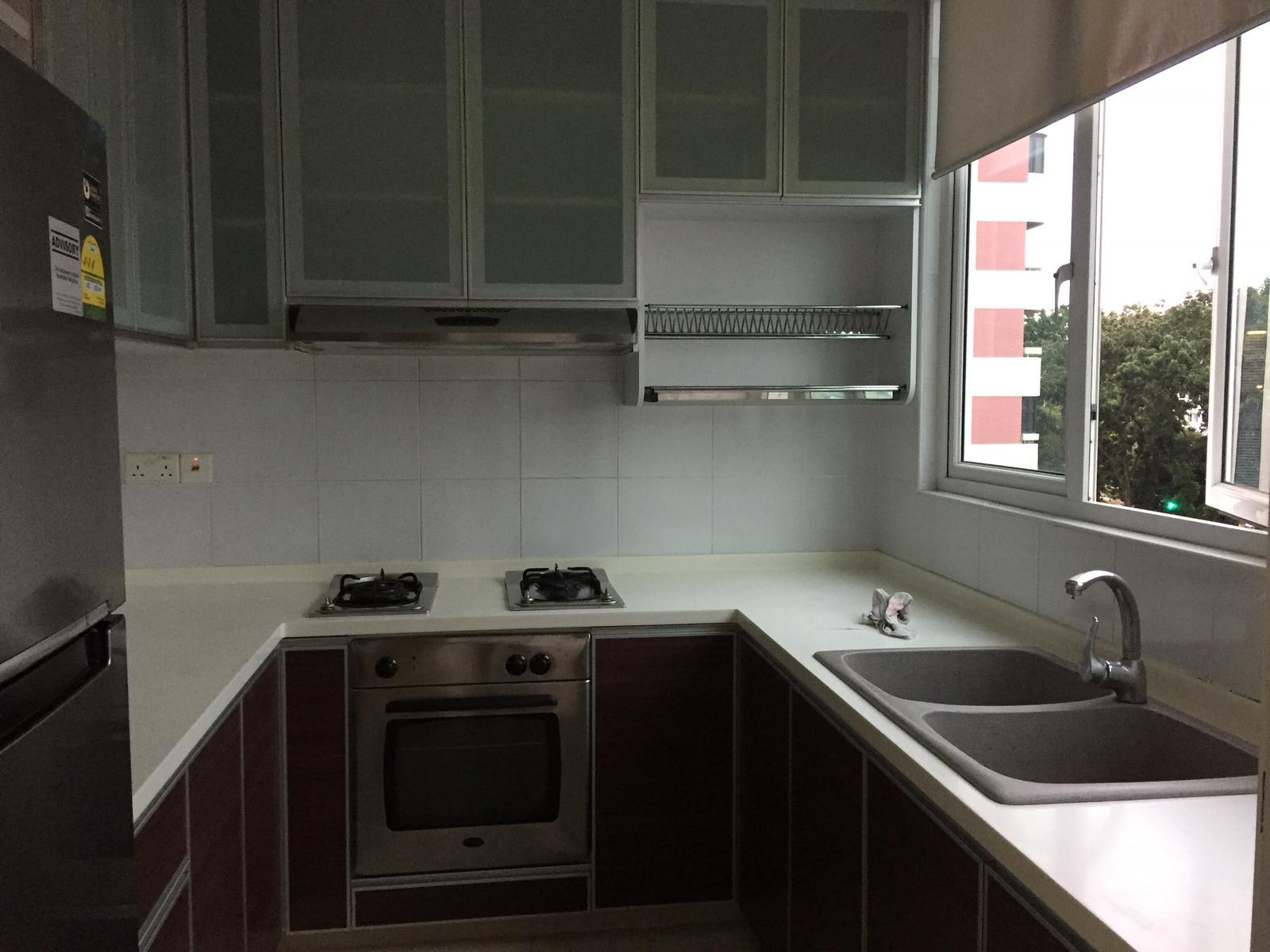 Condominium At Coastarina For Rent Sgd 2 900 3 Bedroom S 3 Bathroom S East Coast Road D15 Katong Ss123h