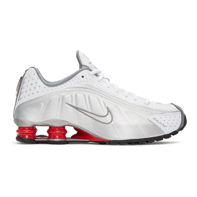 Nike Shox R4 Trainers In 100 Whiteme