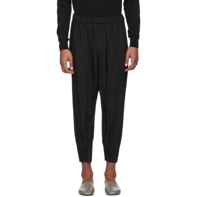 Issey Miyake Men Pantalon noir Pleated Bottom