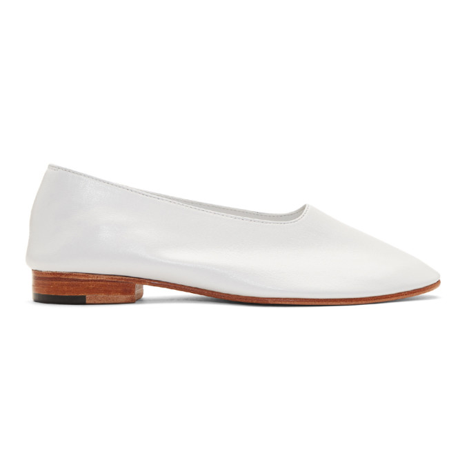 Image of Martiniano White Glove Slippers