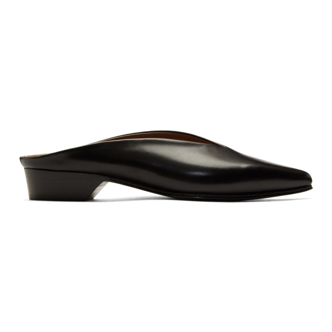 Image of Alumnae Black Point Toe Low Heel Mules