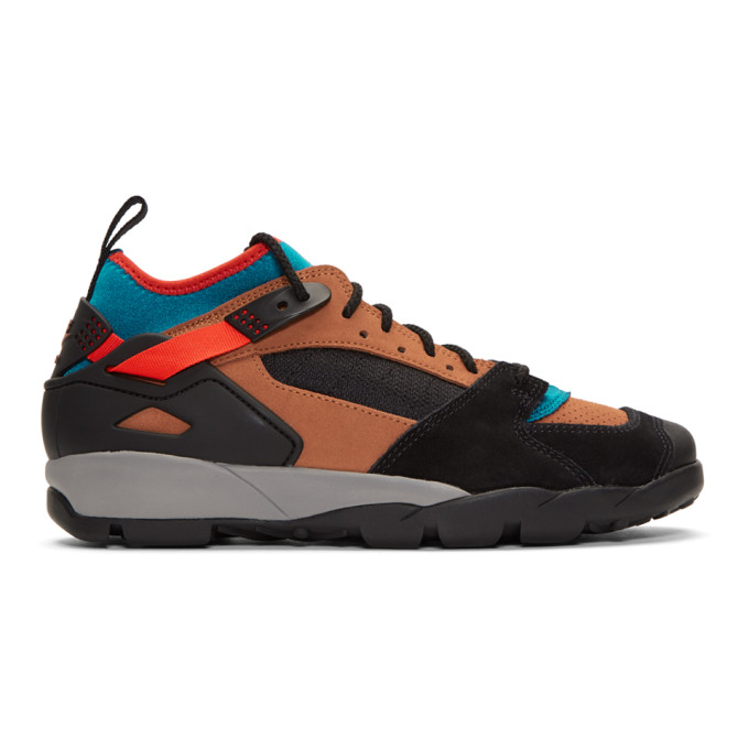 purchase cheap 2c24a 10e0d Nike Black and Red ACG Air Revaderchi Sneakers