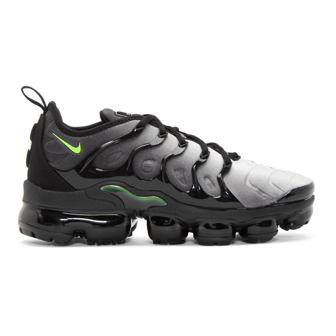 Nike Black & White Air Vapormax Plus Sneakers