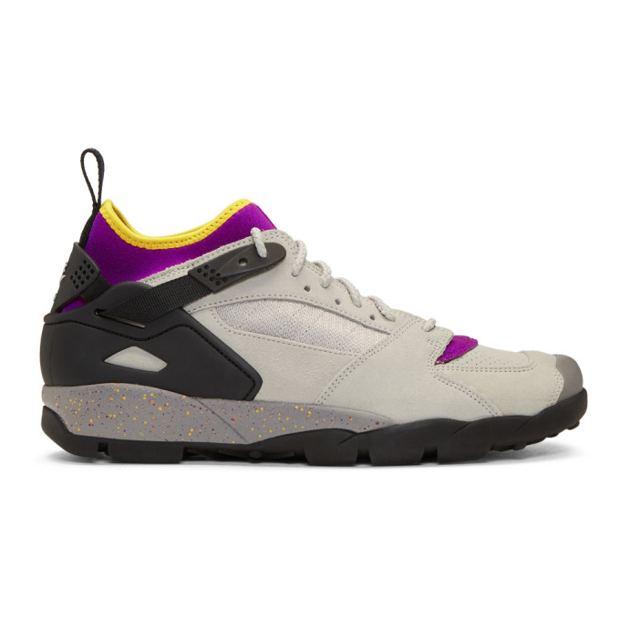 Nike ACG Grey Air Revaderchi Sneakers