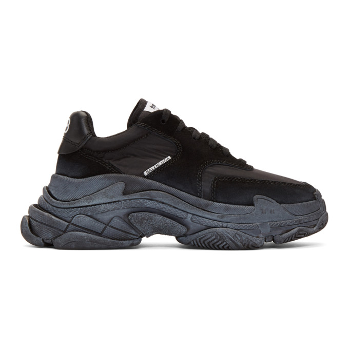 60Mm Triple S Air Washed Leather Sneaker in 1000 Black