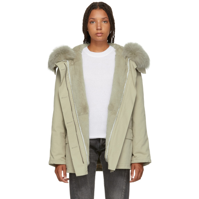 Image of Yves Salomon - Army Grey Classic Short Fur-Lined Parka
