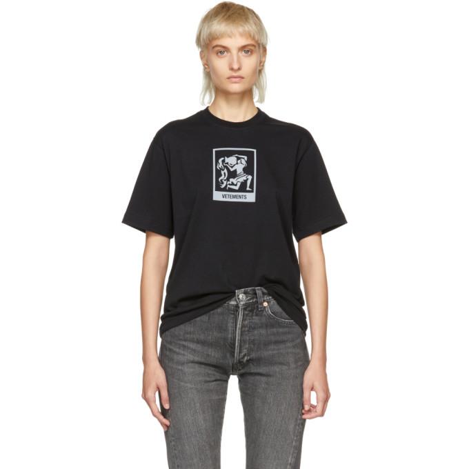 VETEMENTS Horoscope T-Shirt in Black/ Aquarius