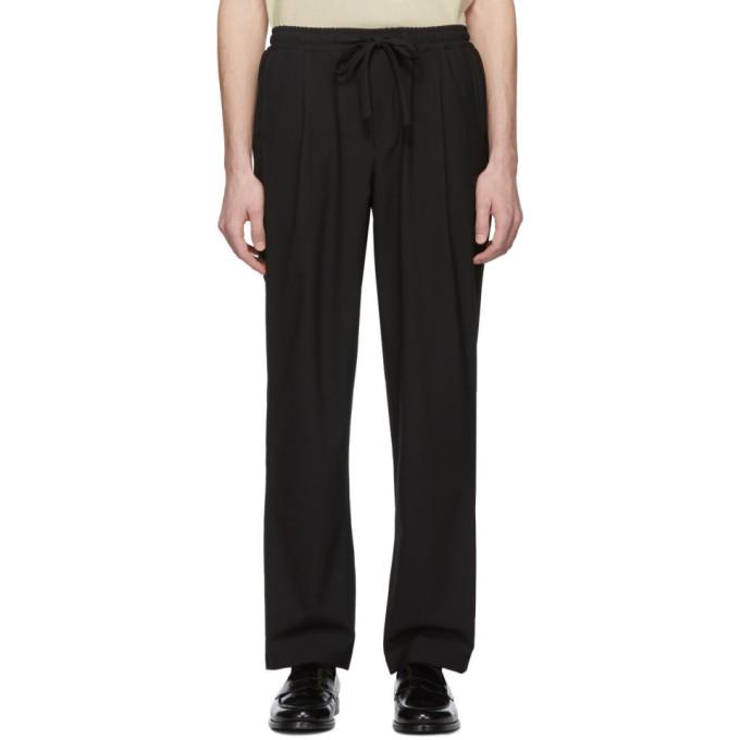 LHomme Rouge Pantalon noir Comfort