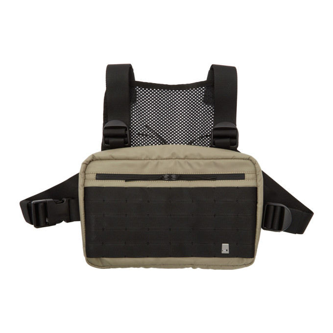 1017 ALYX 9SM Beige Classic Chest Rig Pouch 191776M17100201