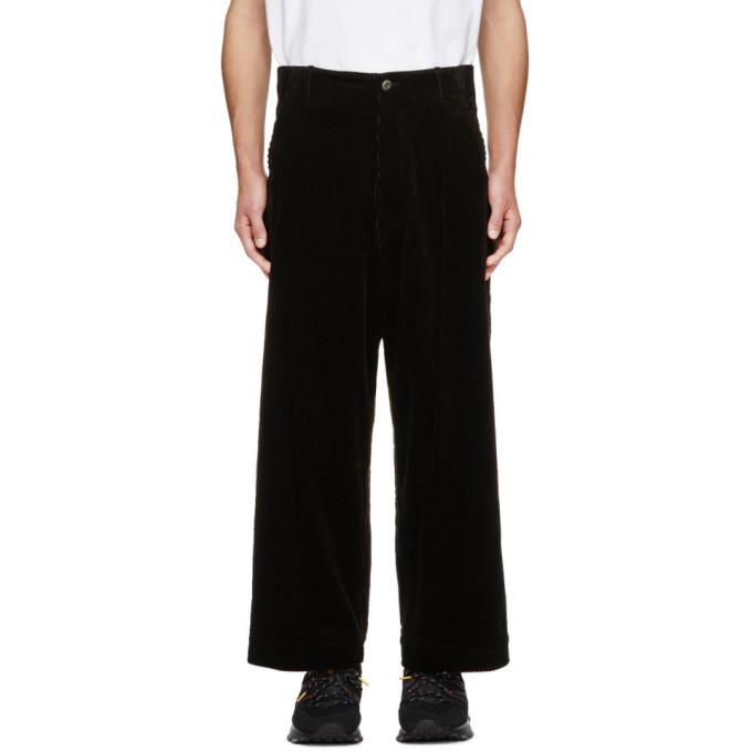 Kuro Pantalon ample en velours cotele noir