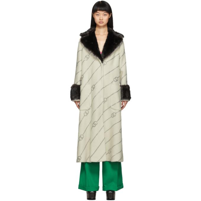 Gucci オフホワイト フェイクファー カラー クリスタル GG コート