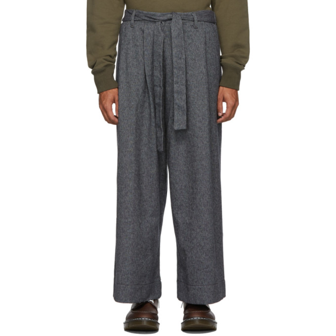 Naked and Famous Denim Pantalon ample en tweed gris