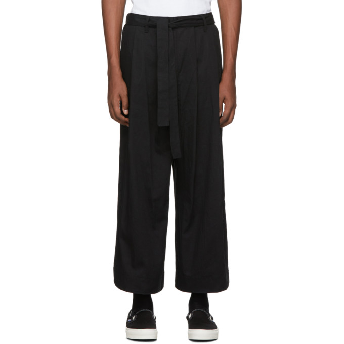 Naked and Famous Denim Pantalon ample noir exclusif a SSENSE