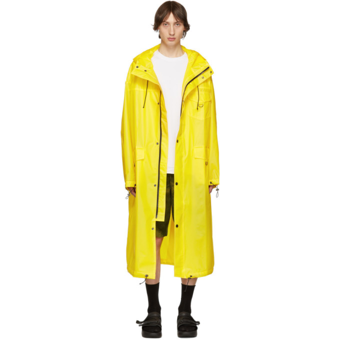 Pyer Moss Impermeable a logo jaune