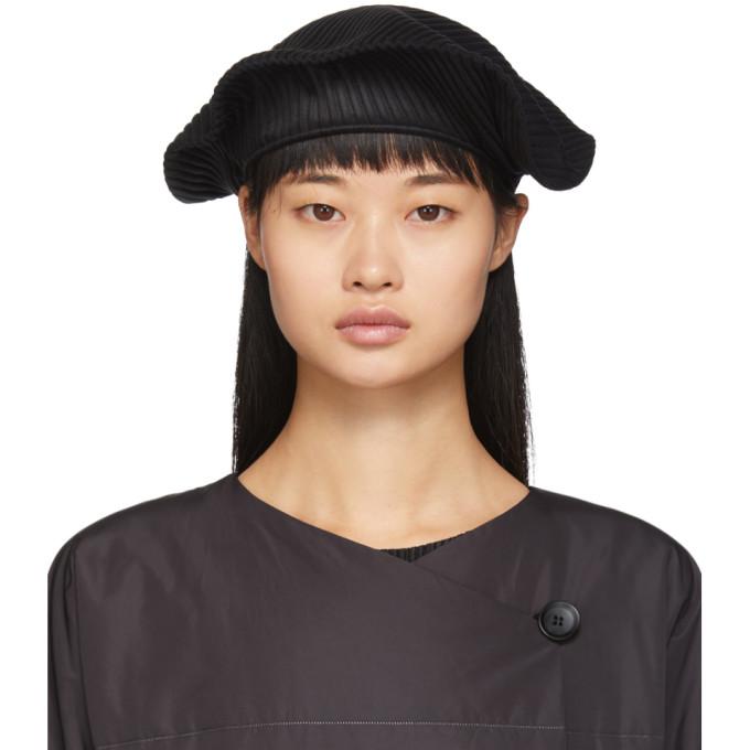 Pleats Please Issey Miyake Beret plisse noir