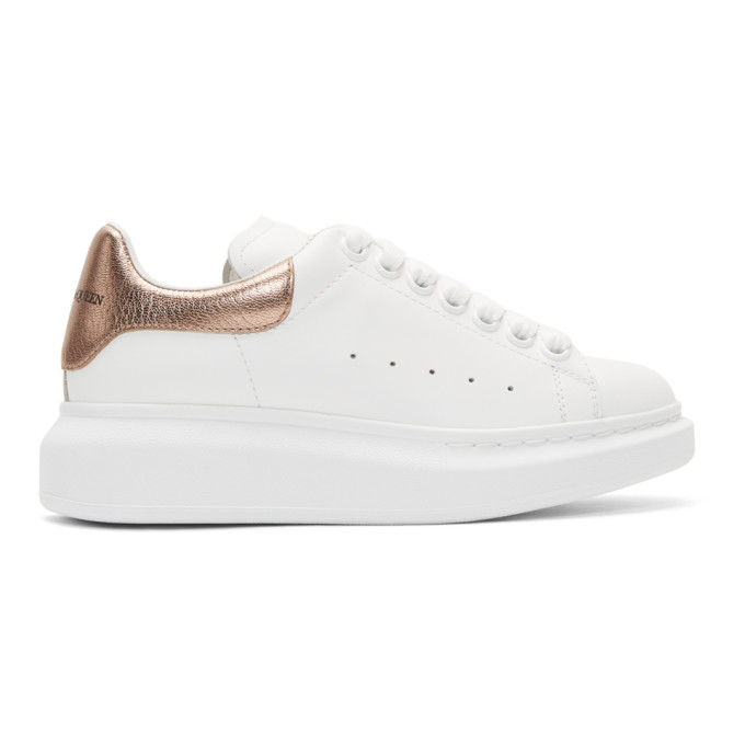 Alexander Mcqueen Metallic-trimmed Leather Exaggerated-sole Sneakers In White/rose Gold