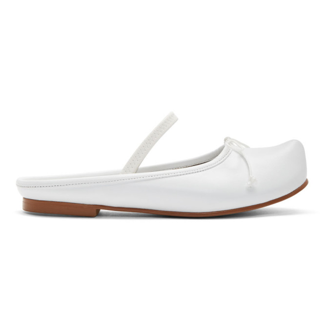 Flat Apartment Ballerines a bouts pointus blanches Sabot