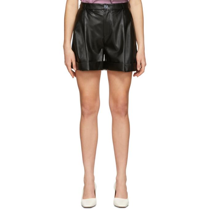 Aeron Short en cuir synthetique plisse noir Isabelle exclusif a SSENSE