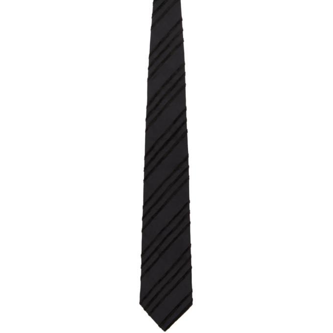 Comme Des Garcons Homme Deux Cravate en soie a motif noire