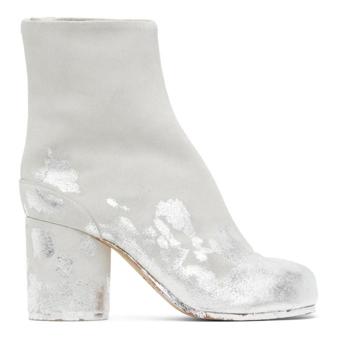 オフホワイト and シルバー スエード Painted Tabi 足袋 ブーツ