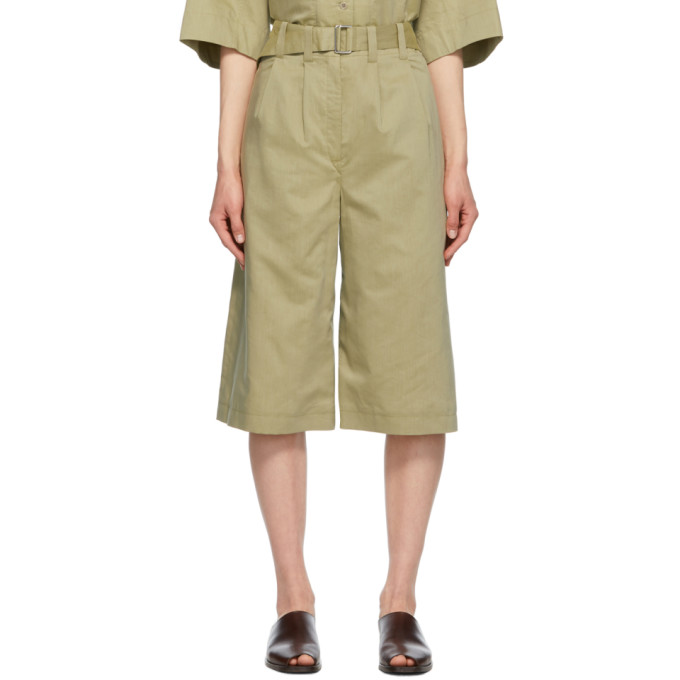 Lemaire LEMAIRE GREEN SILK PLEATED BERMUDA SHORTS