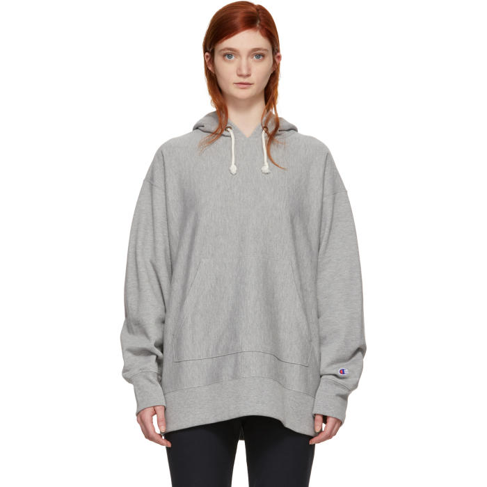CHAMPION REVERSE WEAVE GREY OVERSIZED SMALL LOGO HOODIE