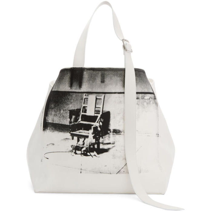 CALVIN KLEIN 205W39NYC WHITE OVERSIZED ELECTRIC CHAIR TOTE